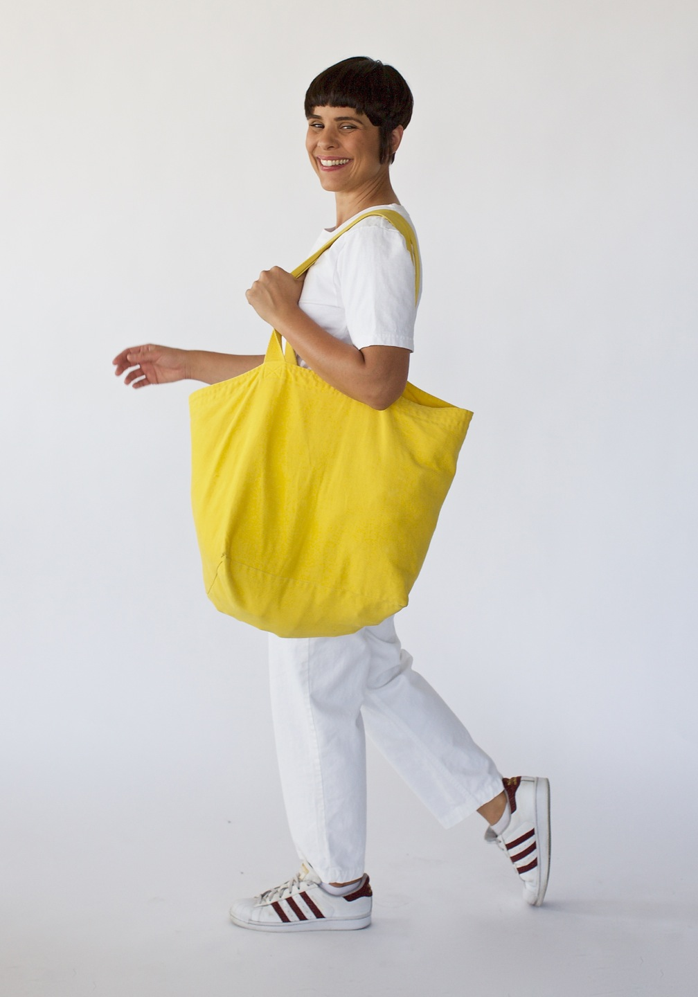 YellowTote_Rotating_04
